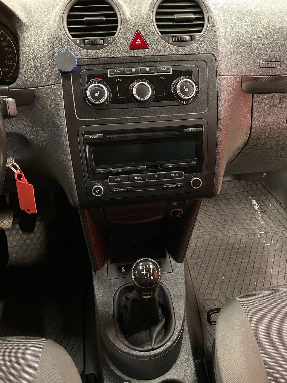 VW Caddy maxi 10