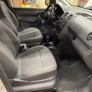 VW Caddy maxi 16
