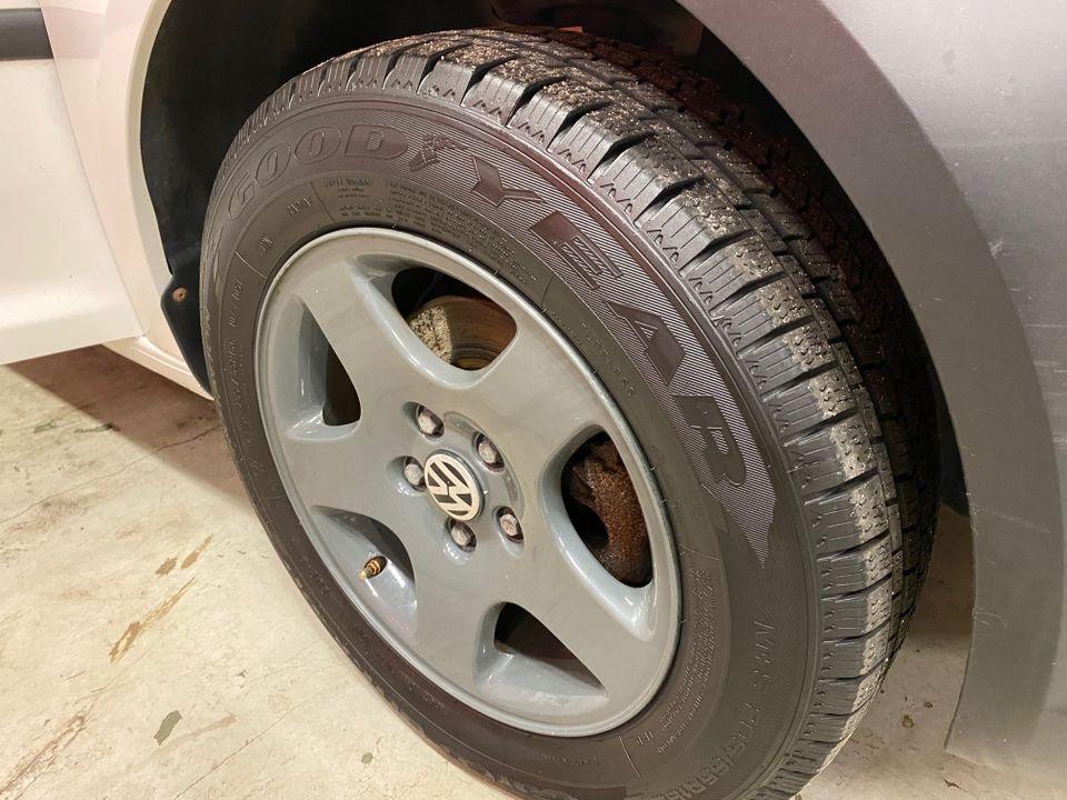 VW Caddy maxi 17